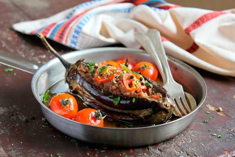 Баклажаны-в-духовке-с-мясом-и-овощами